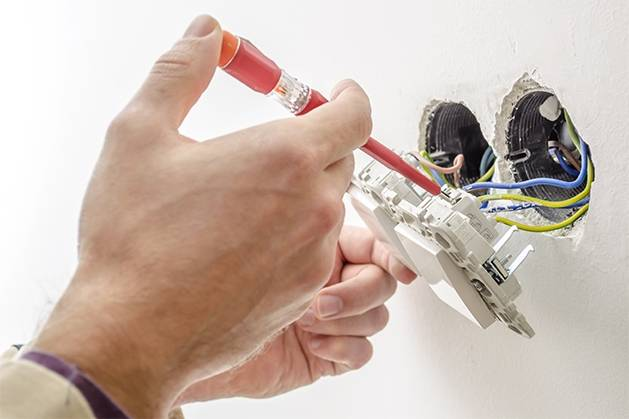 Contratar Empresa para Instalação de Ventiladores de Teto na Vila Magini - Eletricista em Diadema