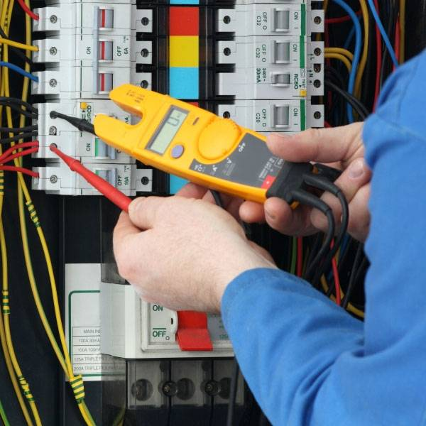 Empresas para Instalação Elétrica em Cerqueira César - Eletricista em Mauá