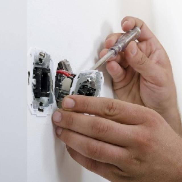 Empresas para Reparo Residencial Elétrico Preço na Cerâmica - Eletricista em Diadema